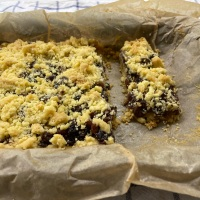 Fruit Mince Crumble Slice